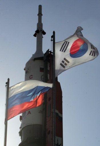 발사대에 설치된 Soyuz TMA-12